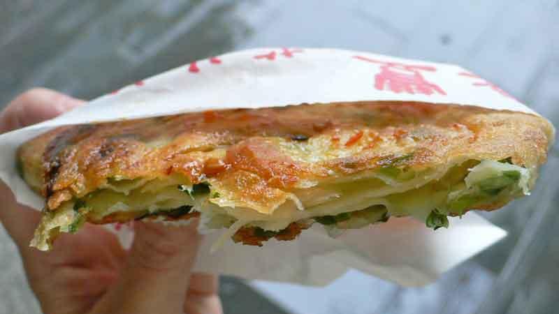 葱油派/宜蘭葱餅 cōng yóu pài [宜蘭風葱入りパイ]