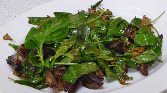 炒螺肉 カタツムリの炒め物