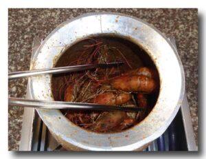 胡椒蝦の壺の中を覗いたところ