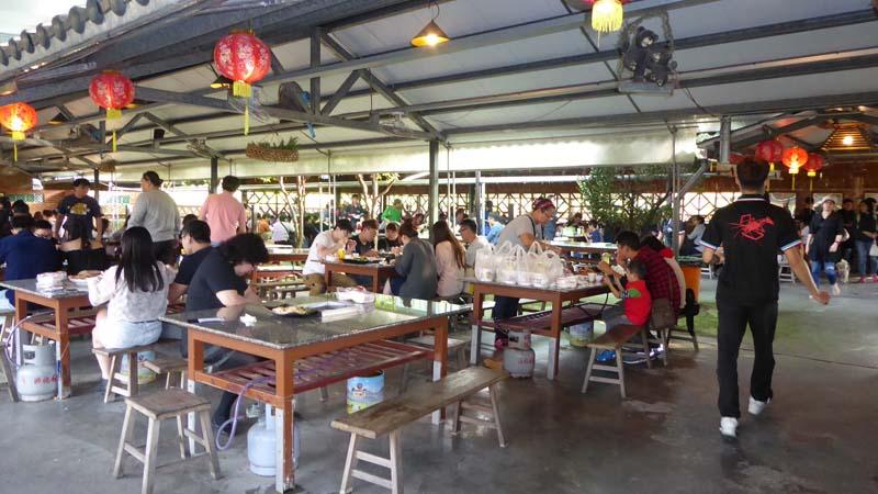 水月軒鮮蝦美食の客席の様子。