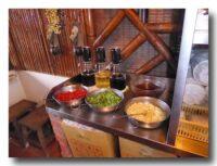 水月軒鮮蝦美食の調味料コーナー